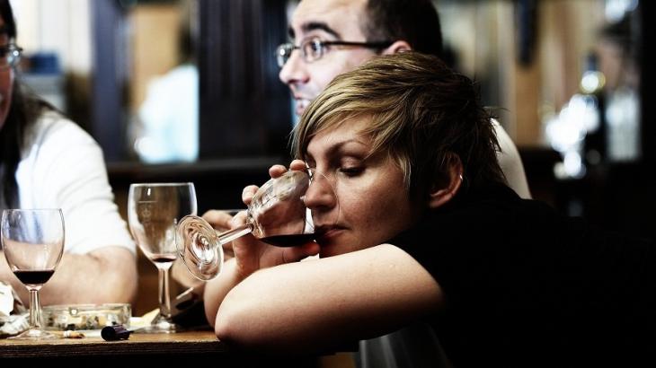 Излечим ли женский алкоголизм? Признаки и специфика